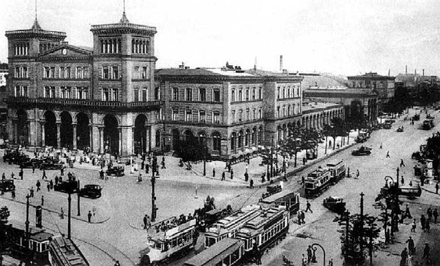 Berlino nel 1928, la stazione Goerlitzer, Germania.