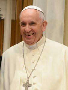 Il Papa argentino Jorge Maria Bergoglio, che dopo un incidente, impara latino di nuovo grazie ad Assimil