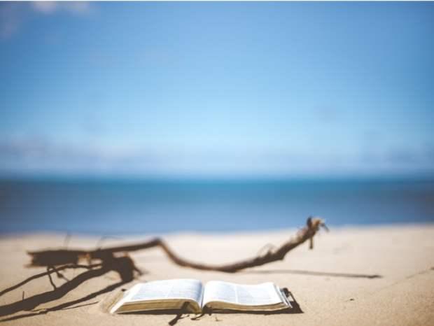 Leer en playa leggere spiaggia