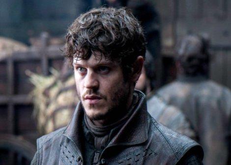 Ramsey Bolton (Iwan Rheon), actor de Juego de Tronos, habla galés a nivel nativo.