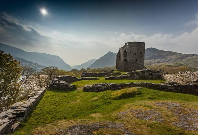 Aprender galés. Ruinas en Gales. El mayor ratio de castillos por kilómetro cuadrado está en Gales.