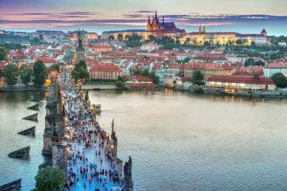 Examenes oficiales de idiomas: Praga
