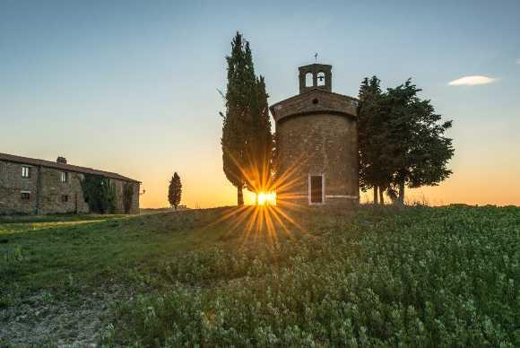 Chiesa, Toscana. Parlare italiano è rilevante nella Chiesa Cattolica.