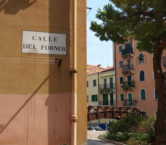 La toponomástica en Venecia, Italia.