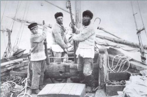 Pomori en barco, 1917